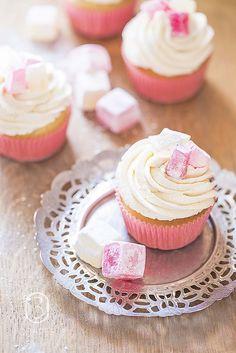 Turkish Delight Cupcakes. I loooove turkish delight <3!!!***