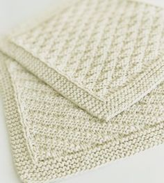 Billedresultat for babytæpper Baby Knitting Patterns, Free Knitting, Crochet Patterns, Knitted Washcloths, Knit Dishcloth, Drops Design, Needlework, Free Pattern, Diy And Crafts