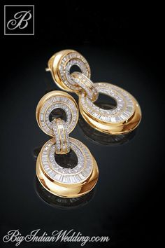 Fine Jewelry Farah Khan designer jewellery How much do you think this costs? High Jewelry, Jewelry Art, Antique Jewelry, Gold Jewelry, Jewelry Accessories, Jewelry Design, Designer Jewellery, Watch Accessories, Jewellery Box