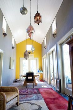 Relaxed & casual + modern architecture + moroccan accents