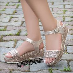 46 Inspo Shoes Fashion That Will Make You Look Fabulous - Shoes Market Experts Glitter Sandals, Suede Sandals, Flat Sandals, Girls Sandals, Girls Shoes, Girls Wedding Shoes, Best Looking Shoes, Comfortable Heels, Fashion Heels