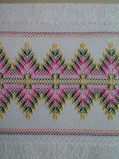 Bargello Needlepoint, Bargello Quilts, Broderie Bargello, Swedish Embroidery, Hardanger Embroidery, Cross Stitch Embroidery, Hand Embroidery, Cross Stitch Designs, Cross Stitch Patterns
