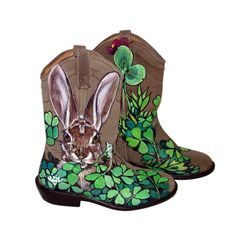 Sale - Handpainted Rabbits in Clover tan suede ankle boots - teens / girls / ladies - size - Steve Madden Lasoo Rabbit Art, Rabbit Hole, Erin Go Bragh, Lucky Charm, Suede Ankle Boots, Thing 1, Wearable Art, Original Artwork, My Etsy Shop