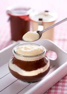 Pamatujete na krémový tvarohový dezert zvaný termix? A věčné dilema s ním spojené, tedy jestli vanilkový, nebo kakaový? Pojďte si s námi připravit oba dva, za pět minut máte hotovo!