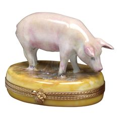 Farm Pig Limoges Box | Limoges Boxes | Handpainted Porcelain | Collectables | ScullyandScully.com