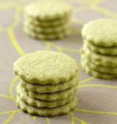 Matcha green tea shortbread – Ôdélices: Easy and original cooking recipes! Matcha Cookies, Donut Recipes, Cookie Recipes, Dessert Recipes, Biscuit Cookies, No Bake Cookies, Baking Cookies, Green Tea Recipes, Sweet Recipes