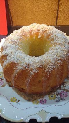 Kokoskuchen mit Kokosmilch, ein beliebtes Rezept mit Bild aus der Kategorie Kuchen. 201 Bewertungen: Ø 4,3. Tags: Backen, Kuchen