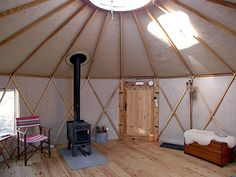 Ditch the house and move into a tiny cabin like these beautiful homes which allow their owners to be at one with nature Yurt Interior, Yurt Tent, Yurt Home, Yurt Living, Tiny House Blog, Energy Efficient Homes, Cottage Style Homes, Natural Building, Modern Buildings