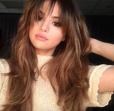 Wavy Side-Part Hairstyle - 60 Super Chic Hairstyles for Long Faces to Break Up the Length - The Trending Hairstyle Wispy Bangs Round Face, Round Face Hairstyles Long, Layered Hair With Bangs, Bangs With Medium Hair, Oval Face Hairstyles, Long Layered Hair, Long Hair Cuts, Medium Hair Styles, Long Hair Styles