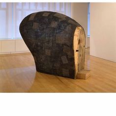 Martin Puryear, Confessional 1996 - 2000  wire mesh, tar and wood