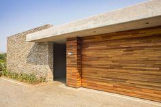 Albizia House / Metropole Architects