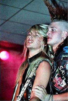 Very Young Jerry Cantrell and Layne Staley How hot does Layne look as a punk?