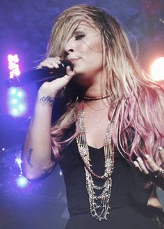 And people call this fat? She's flawless <3 Demi Lovato
