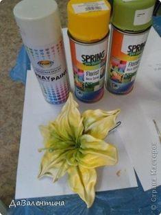 Как сделать цветы из кожи? Выкройки цветов из кожи? Diy Leather Flowers, Leather Tutorial, Laser Cut Leather, Handmade Flowers, Leather Working, Fabric Flowers, Polymer Clay, Spring, Painting