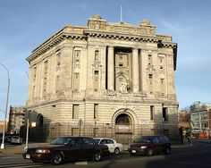 I went to JHS and Elementary right across the street from here. Former Bronx Borough Courthouse, South Bronx, New York City Dutch Republic, Home Nyc, Bronx Nyc, New York Architecture, Main Attraction, Vatican City, Staten Island, New York City, Big Ben