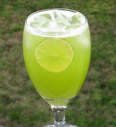 Mountain Dew Me! Ingredients:  2 oz. Melon Liqueur 1 oz. Triple Sec 4 oz. Pineapple Juice 1 oz. Sprite