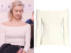 ARTICLE BY MAR. Get the clothes from SKAM - the Norwegian innovative and online-based TV series that has taken all of the country by storm. Noora Skam Style, Simple Outfits, Cute Outfits, Grey Fashion, Fashion Outfits, Fashion Brenda, Skinny, Minimalist Fashion, Celebrity Style