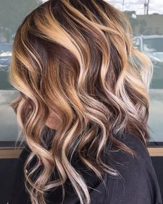 10 Medium to Long Hairstyles in Exciting Blonde Colors – Women Haircut 2019 Modern Medium to Long Hairstyles, Ombre Balayage Hair Styles for Women – Long Hair Style Trends Unicorn Hair Color, Ombre Hair Color, Hair Color Balayage, Blonde Balayage, Honey Balayage, Blonde Hair With Highlights, Brown Blonde Hair, Blonde Honey, Face Shape Hairstyles