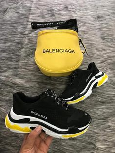 Balenciaga track sneakers Just Trendy Girls Cute Sneakers, Shoes Sneakers, Winter Sneakers, Sneakers Adidas, Shoes Men, Men's Shoes, Sneakers Balenciaga, Sneakers Fashion, Girls Shoes