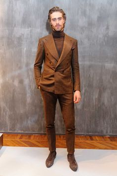Cifonelli Fall-Winter Menswear Collection - Real Time - Diet, Exercise, Fitness, Finance You for Healthy articles ideas Big Men Fashion, Mens Fashion Suits, Mens Suits, Male Fashion, Fashion Trends, Suit And Tie, Business Outfits, Gentleman Style, Mode Style