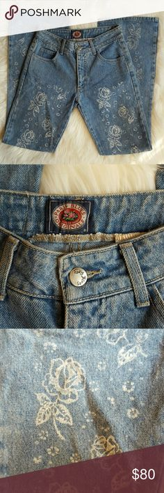 Vintage 80's Paris Blues Floral Light Wash Jeans How amazing are these?!? Excellent vintage condition! Super in right now. Waist: 13 inches flat.  Rise: 9 1/2 inches. Inseam: 31 inches. Leg opening: 9 1/2 inches.  Size: 3 Juniors Paris Blues Jeans