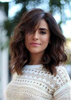 Want to try side bangs with your long bob haircut? Look at your best with these stunning lob with side bangs hairstyles for women. Long Bob Haircuts, Long Bob Hairstyles, Long Bob Bangs, Side Bangs With Medium Hair, Side Part Bangs, Side Part Haircut, Hair Medium, Trendy Hairstyles, 16 Inch Hair
