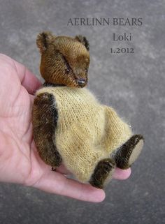 Loki, Miniature Bear in Vintage Mohair by Aerlinn Bears