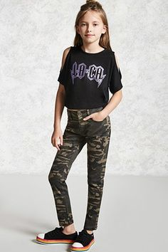 Forever 21 is the authority on fashion & the go-to retailer for the latest trends, styles & the hottest deals. Shop dresses, tops, tees, leggings & more! Teenage Girl Outfits, Girls Fashion Clothes, Kids Outfits Girls, Cute Girl Outfits, Tween Fashion, Fashion Wear, Fashion Outfits, Teenage Clothing, Clothing Ideas