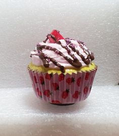 Hey, I found this really awesome Etsy listing at https://www.etsy.com/listing/101583361/giant-cupcake-fridge-magnet-polymer-clay