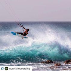 #Repost @northkiteboarding ・・・ Try to spot a landing... #awesome @airtoncozzolino #truekiteboarding #northkiteboarding #gnarly #kitesurfing #kiteboarding #kite #prosurf #neo #strapless #straplesstour #wave #wheretheresawavetheresaway