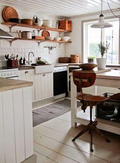 EN MI ESPACIO VITAL: Muebles Recuperados y Decoración Vintage: Una cocina de tablones { A kitchen made of planks }