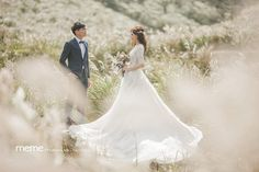 Wedding Poses, Wedding Dresses, Prewedding Photo, Diy Party Decorations, Wedding Things, Wedding Styles, Wedding Photography, Studio, Beautiful
