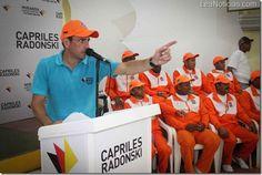 Capriles Radonski entregará becas universitarias a Guardianes de la Playa - http://www.leanoticias.com/2012/11/23/capriles-radonski-entregara-becas-universitarias-a-guardianes-de-la-playa/