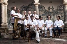 Novo disco tem direção musical assinada por Juliano Holanda e pelo próprio grupo.