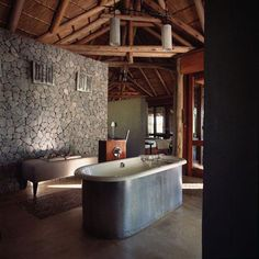 Bathroom Decorating – Home Decorating Ideas Kitchen and room Designs Lodge Bathroom, Safari Game, Interior Design Games, Global Home, Game Lodge, Game Reserve, African Safari, House Rooms, My Dream Home