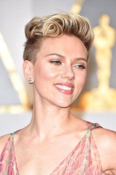 Johansson scarlett rocks refined undercut romantic makeup