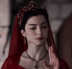 Nurbanu Sultan, Witch Outfit, Battle Royal, Best Friend Photos, Turkish Beauty, Circlet, Ottoman Empire, Actresses, Lady
