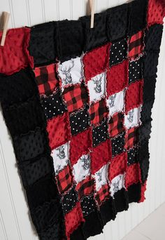 BUFFALO CHECK & DEER HEAD Rag Quilt! Would he darling baby nursery crib bedding set! Black and red nursery, deer nursery, hunting nursery, Buffalo check nursery, plaid nursery, Rag Quilt, Buffalo check Rag Quilt, baby boy nursery