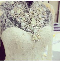 details #merras #wedding #kebaya #kebayapengantin #lace #white #bride #merras #merraskebaya