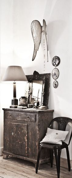 Decoration à l'aide d'objets chinés revisités antiques brocante junkstyle lamp mirror lampe miroir