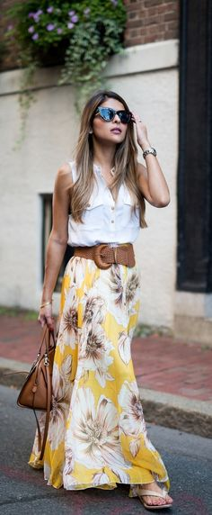 16 Beautiful Maxi Skirt Outfits for Summer: Stylish Floral Maxi Skirt Outfit Maxi Skirt Style, Maxi Skirt Outfits, Dress Skirt, Long Skirt Outfits For Summer, Skirt Belt, Chiffon Skirt, Long Skirt With Shirt, Maxi Skirt Outfit Summer, Spring Skirts Outfits