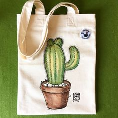 Cactus eco tote bag - Home: Living color Diy Tote Bag, Tote Bags Handmade, Diy Bags, Reusable Tote Bags, Tote Bags For College, Painted Bags, Jute Bags, Fabric Bags, Cloth Bags
