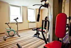 Do dyspozycji Gości oddana jest w pełni wyposażona sala gimnastyczna.