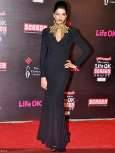Deepika Padukone makes a striking image in Alexander McQueen gown during 20th Annual Screen Awards 2014, held in Mumbai.