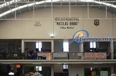 El evento de entrega de locales remodelados fue encabezado por el alcalde Alfonso Martínez, así como el secretario de Servicios Públicos, José Luis Gil; y, el secretario de Efectividad e ...