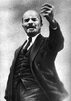 vladimir lenin een volgeling van het communisme en vladimir lenin 1870 1924 een volgeling van het communisme en wilde dit doorvoeren in de sovjet unie nadat hij door de duitsers teruggestuurd we