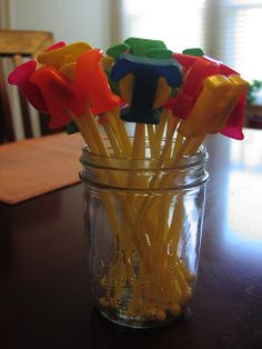 Fun pointers made from swizzle sticks and leftover magnetic letters! Great for reading the room