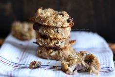 Hello everyone ! Today I am going to show you the recipe for the best almond pulp cookies ! What do you usually do with the almond pulp leftover from the homemade almond milk you make sometimes? Well, we do cookies. I am trying to keep them as healthy as possible, but can't really fight myself with adding some chocolate chips( dark chocolate!). My kids loooove this cookies as …