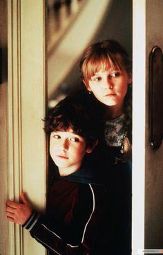 Bradley Pierce as Peter Sheperd & Kirsten Dunst as Judy Sheperd - Jumanji