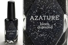 AZATURE black-diamond Nail Polish that adorns an equally high-end price tag at $250,000! Wowwww!